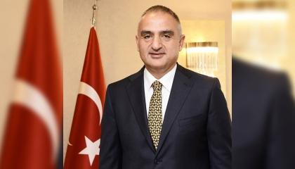 وزير الثقافة التركية: السياح يتوافدون على تركيا رغم الحرائق