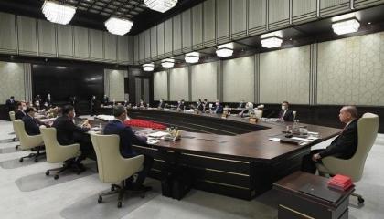 حرائق الغابات والفيضانات تجبر مجلس الوزراء التركي على إلغاء اجتماعه