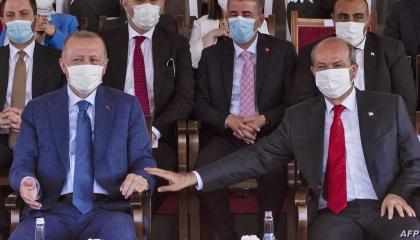 نيقوسيا تسحب جوازات السفر من مسؤولين قبارصة أتراك