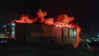 مصنع نسيج يحترق في إسطنبول.. والسلطات تحاول السيطرة