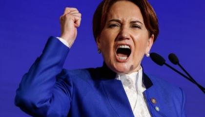 المرأة الحديدية تسخر من أردوغان بعد تخليه عن شعار «رابعة»