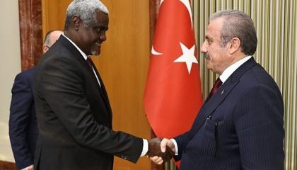 رئيس البرلمان التركي في اجتماع مغلق مع مفوض الاتحاد الأفريقي