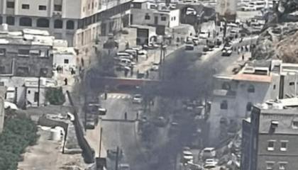 قتلى وجرحى في انفجار سيارة مفخخة استهدف وزير الزراعة اليمني ومحافظ عدن