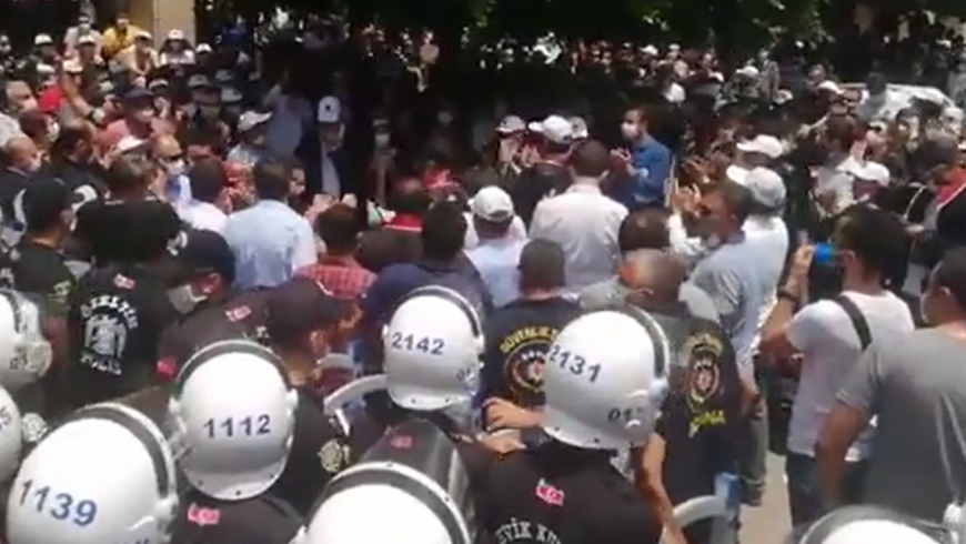 اعتداء الشرطة على المحامين