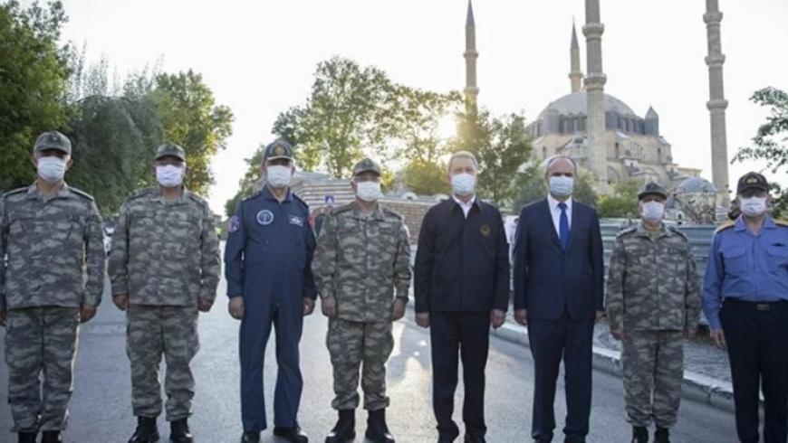 خلوصي أكار وبعض قادة الجيش التركي