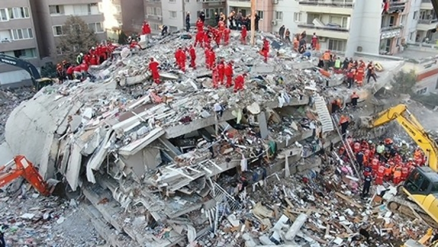 زلزال إزمير