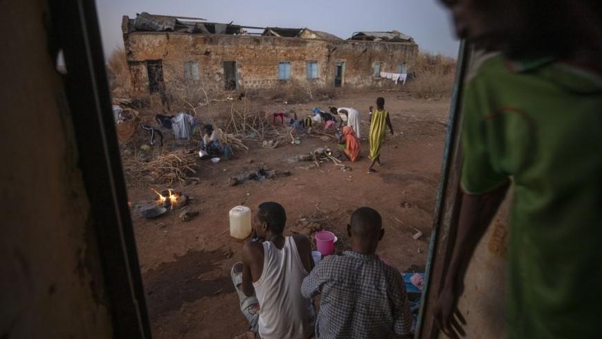 مخيمات الاجئين