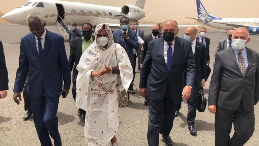 وزيرا الخارجية والري المصريان في الخرطوم