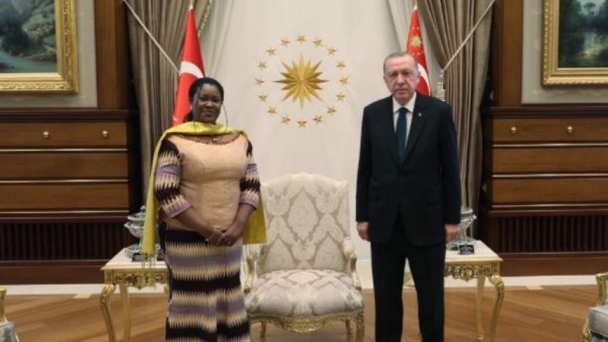 أردوغان وسفيرة غانا