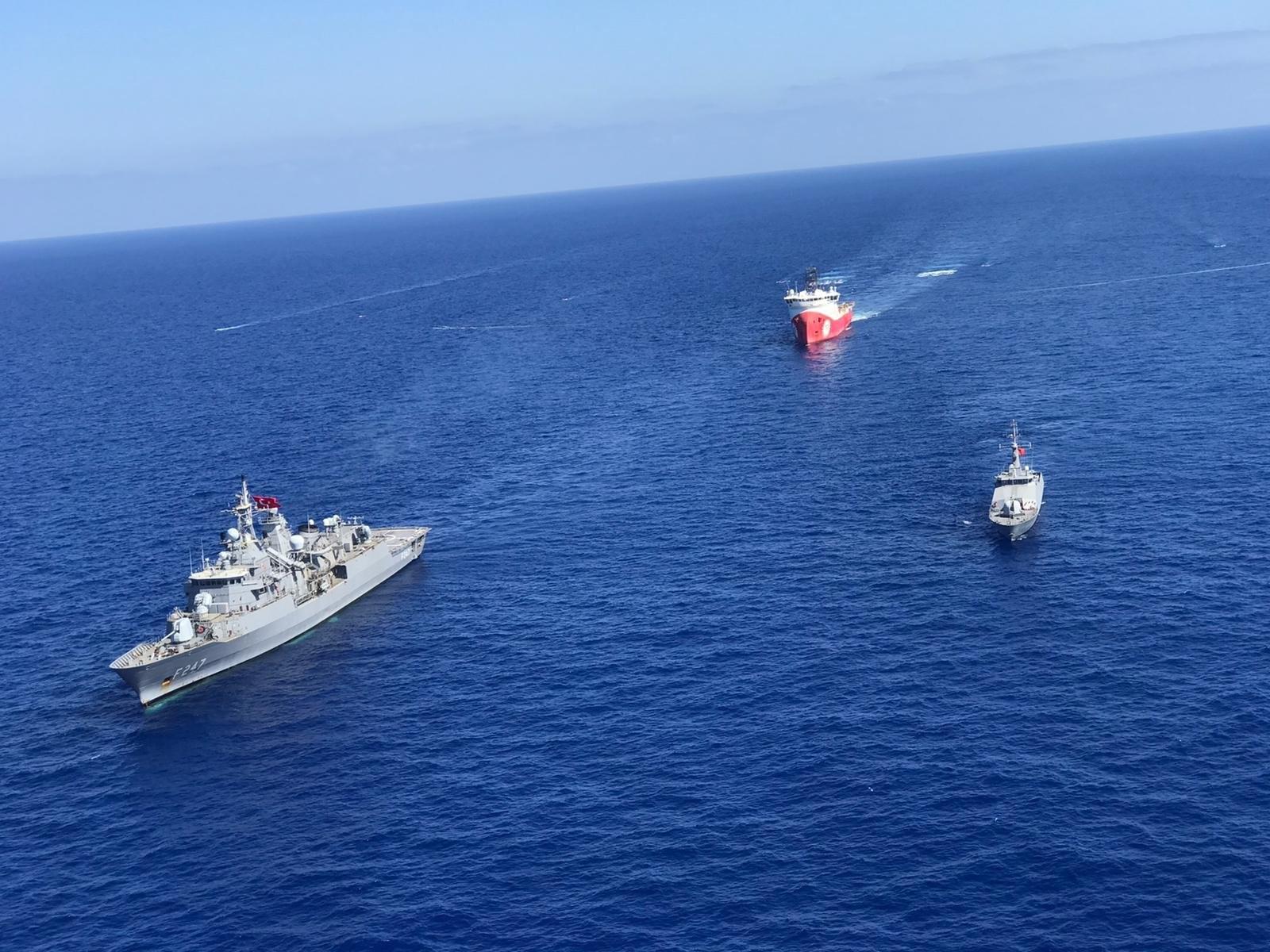 سفينة كمال رئيس وسفينة بربروس العسكرية