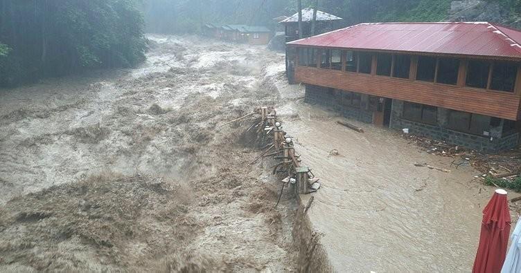 فيضانات ريزا
