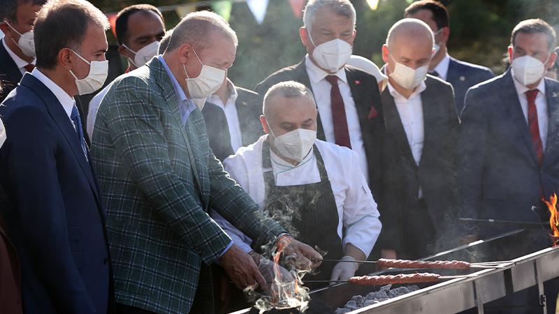 أردوغان يشوي الكباب